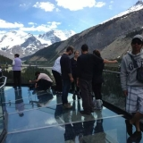 promotional-staff-glacier-skywalk-13