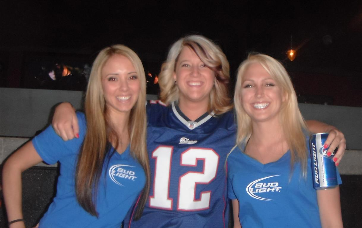 Super Bowl Promo Models at The Wing Pit