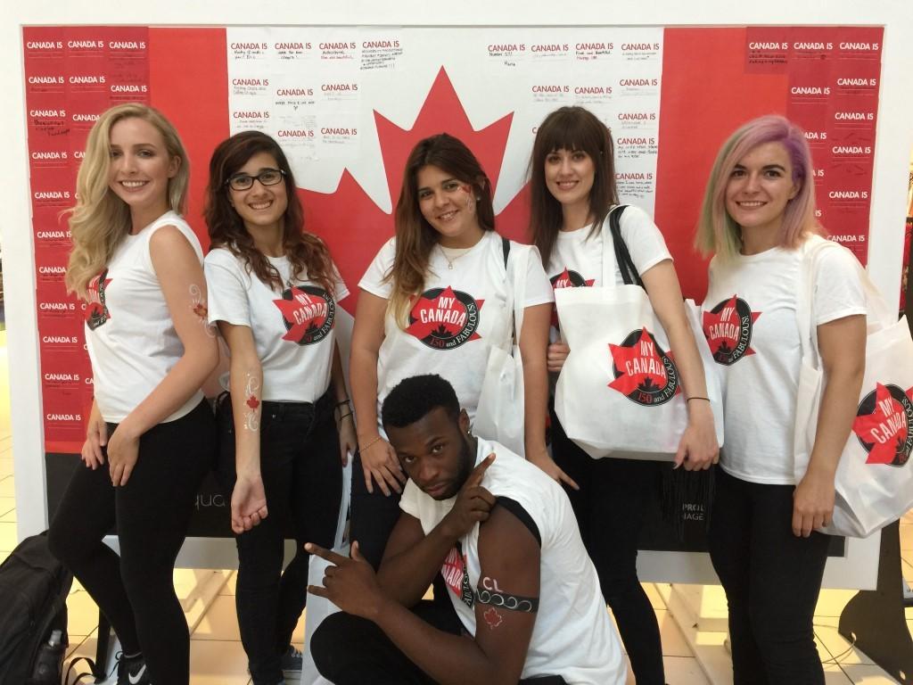 mall promotion staff